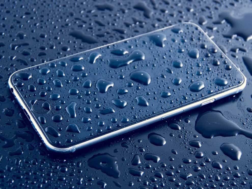 How to remove water from iPhone speaker easily