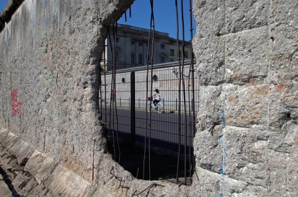 Trump Border Wall Collapse Video Hurricane Hanna