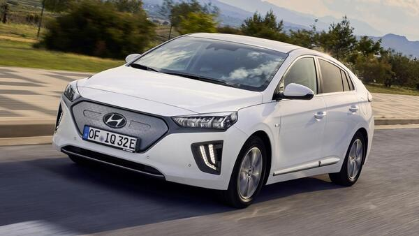 Top 10 Best Electric Cars In 2020: Hyundai Ioniq Electric
