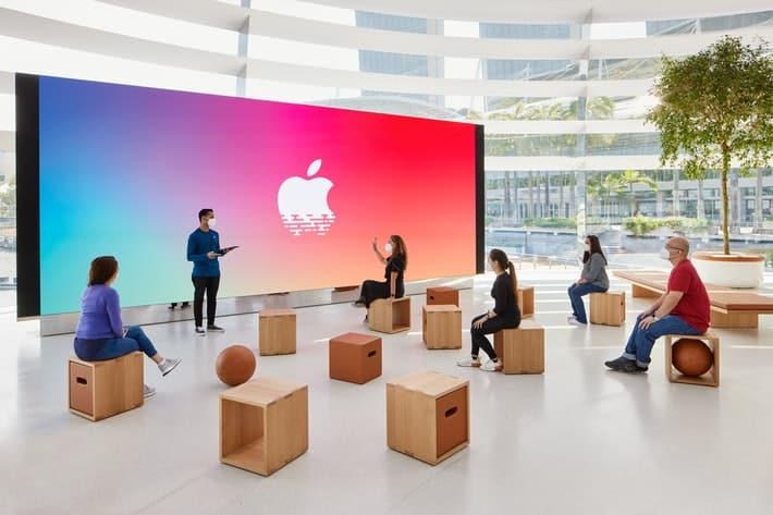 Apple floating store marina bay singapore inside look