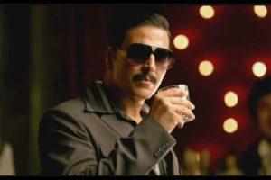 Akshay kumar drinks cow urine Instagram live video