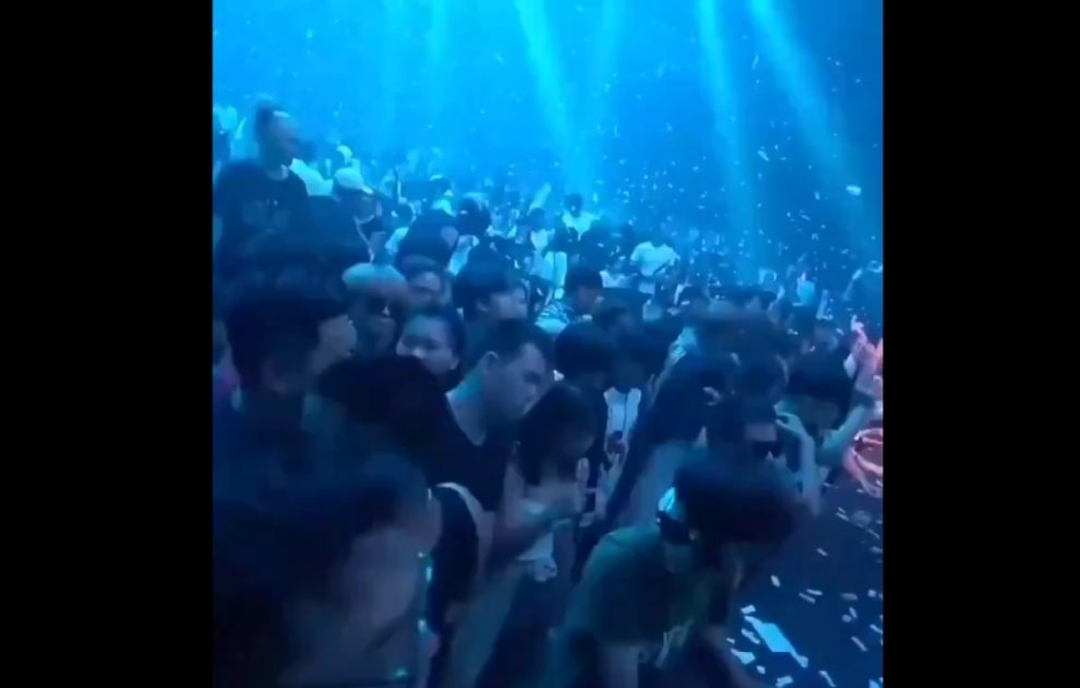 meanwhile in wuhan party video