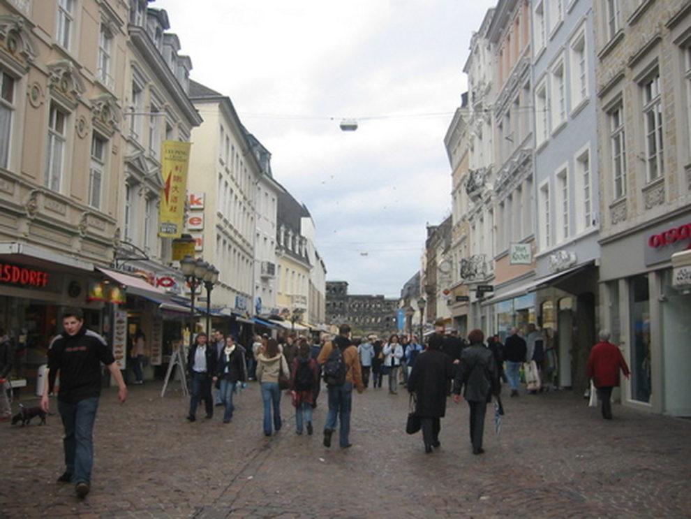 car pedestrians germany Trier