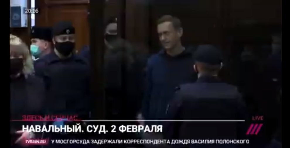 video navalny draws heart