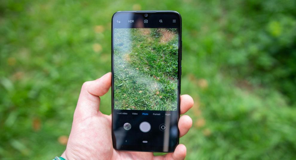 Xiaomi Mi A3 blinks green videos