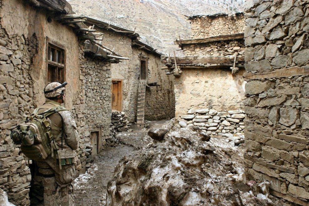 civilians taliban arms