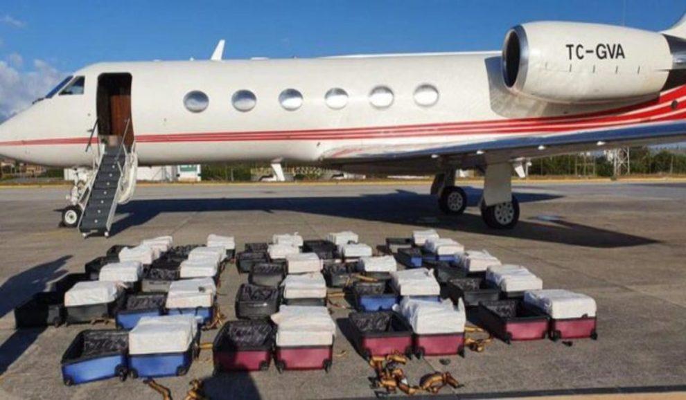 brazil police 1.3 tons cocaine turkish acm air jet
