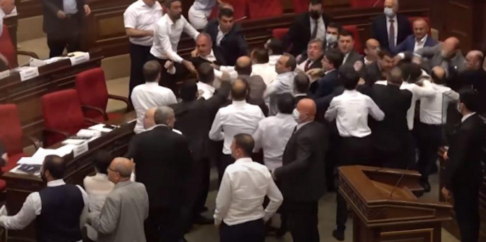 VIDEO ARMENIA PARLIAMENT FIGHT