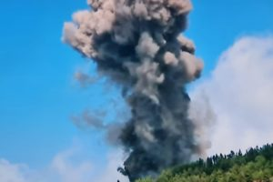 Spanish Canary Island volcano erupted video