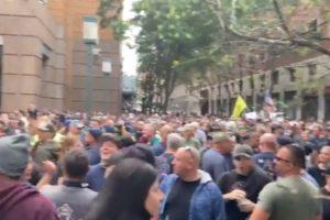NYC workers protest brooklyn bridge